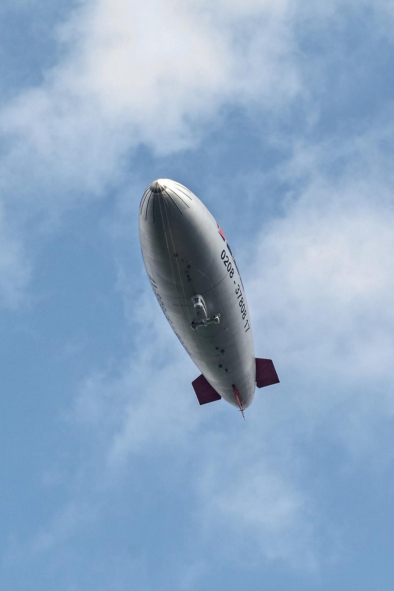 Ein Zeppelin in der Luft